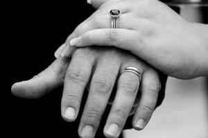 wedding-rings-2-1414664-638x423